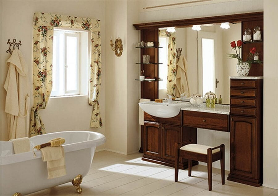 Vuoi avere sempre il bagno in ordine e pulito ecco alcuni for Arredo bagno classico immagini